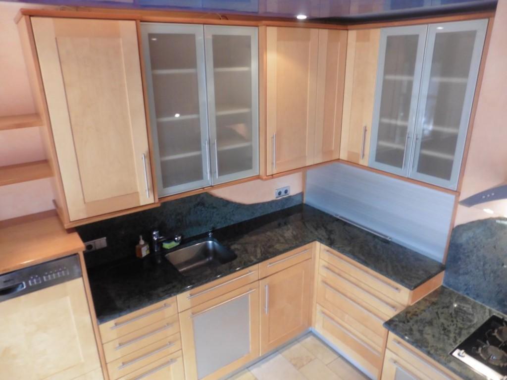 naturstein k che beste home design inspiration. Black Bedroom Furniture Sets. Home Design Ideas