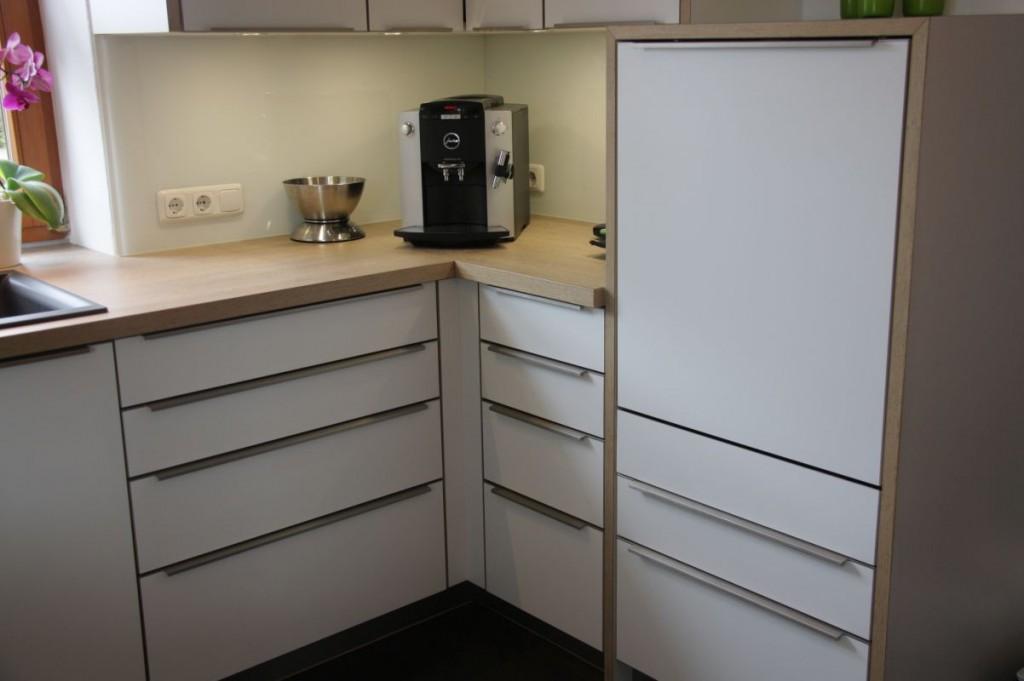 k che wei eichen arbeitsplatte edelstahl griffe. Black Bedroom Furniture Sets. Home Design Ideas